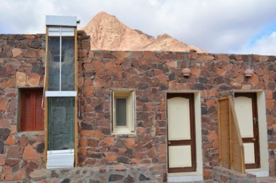 Adapted Trombe Wall Could Revolutionise Off Grid Housing