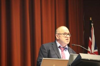 Dr Tim Williams