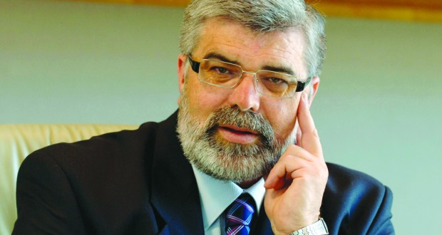 Senator Kim Carr, a standout performer at the Senate Inquiry on non-conforming building products