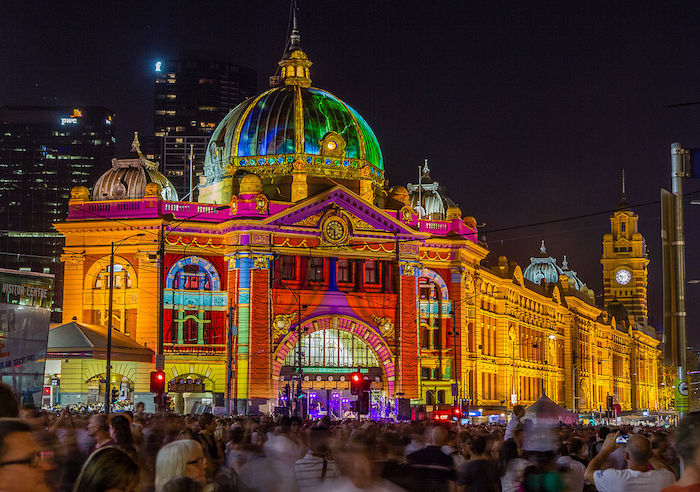 Flinders st station night people