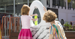 """O""""-shaped public water refilling stations double as piece of artwork"""